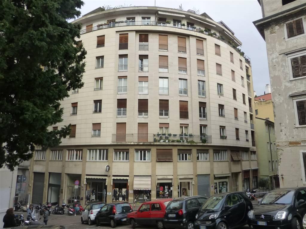 Appartamento in vendita a Trieste, 4 locali, zona Zona: Centro, prezzo € 145.000 | Cambio Casa.it