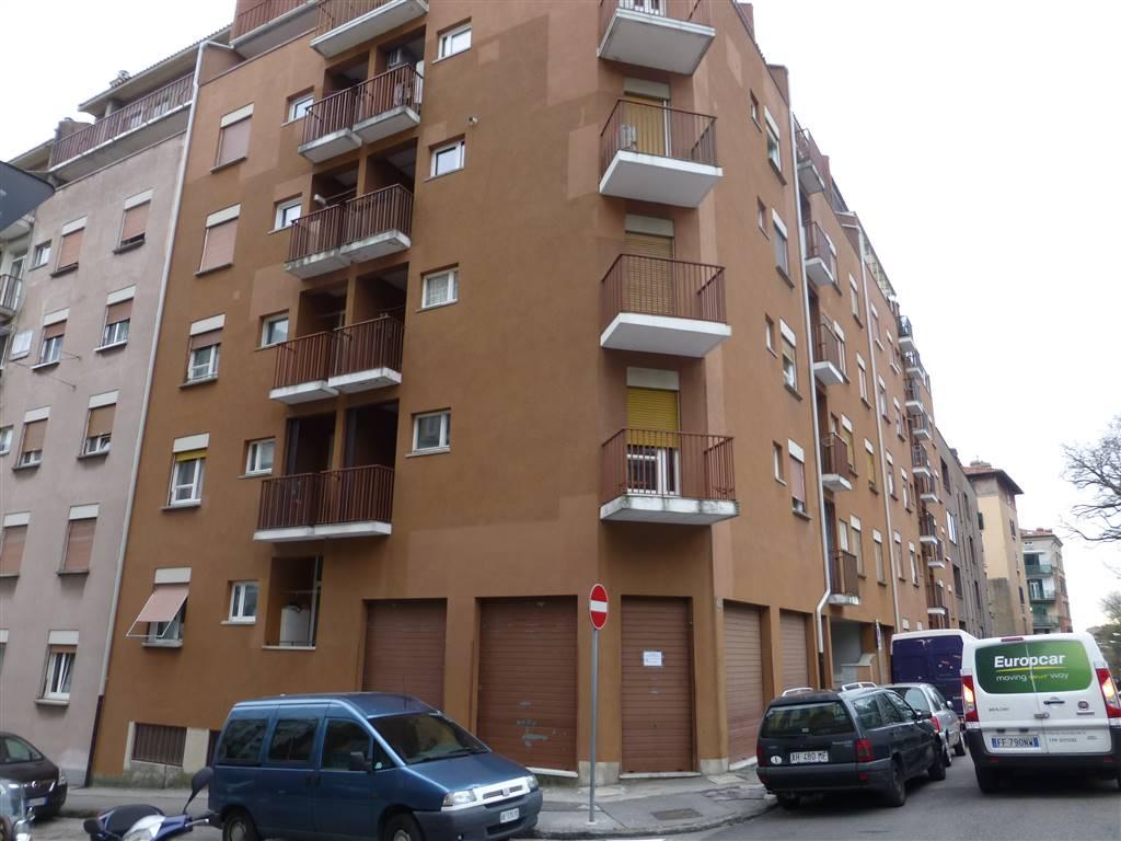 Appartamento in affitto a Trieste, 4 locali, zona Località: SAN GIOVANNI, prezzo € 400 | Cambio Casa.it