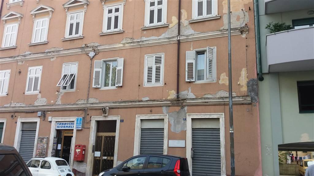 Magazzino in vendita a Trieste, 9999 locali, zona Zona: Semicentro, prezzo € 45.000   CambioCasa.it
