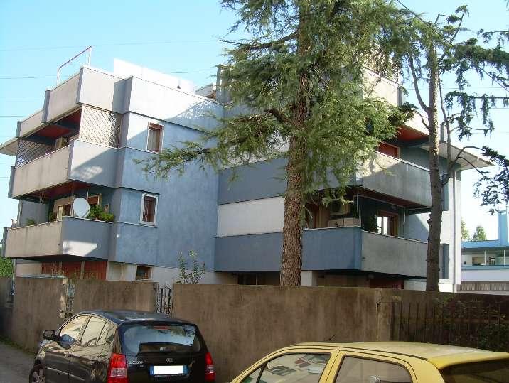 Appartamento in vendita a Spinea, 8 locali, prezzo € 185.000 | Cambio Casa.it