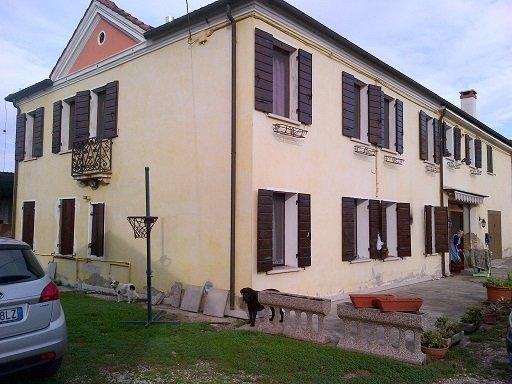 Rustico / Casale in vendita a Mirano, 9 locali, prezzo € 380.000 | Cambio Casa.it