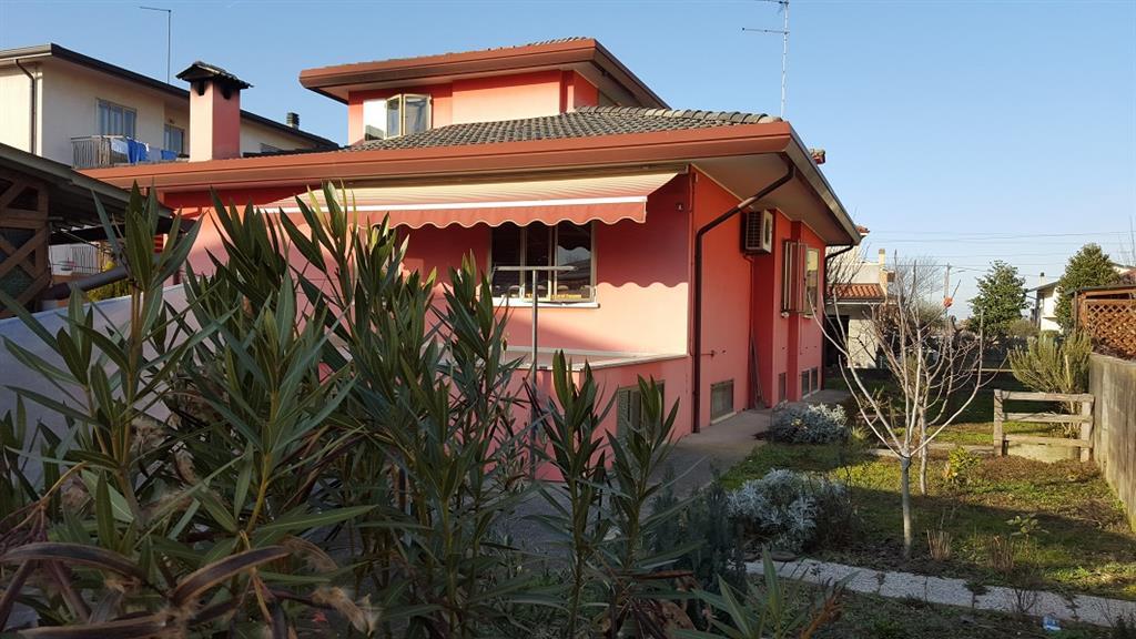 Soluzione Indipendente in vendita a Spinea, 8 locali, zona Località: FORNASE, prezzo € 255.000 | CambioCasa.it