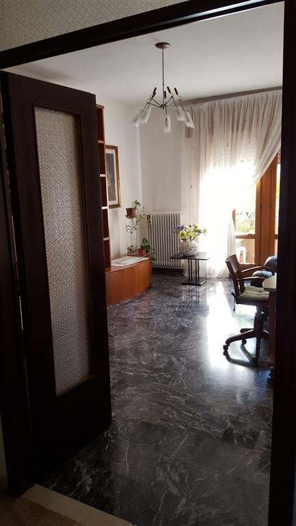 Appartamento in vendita a Spinea, 5 locali, zona Zona: Orgnano, prezzo € 110.000 | CambioCasa.it