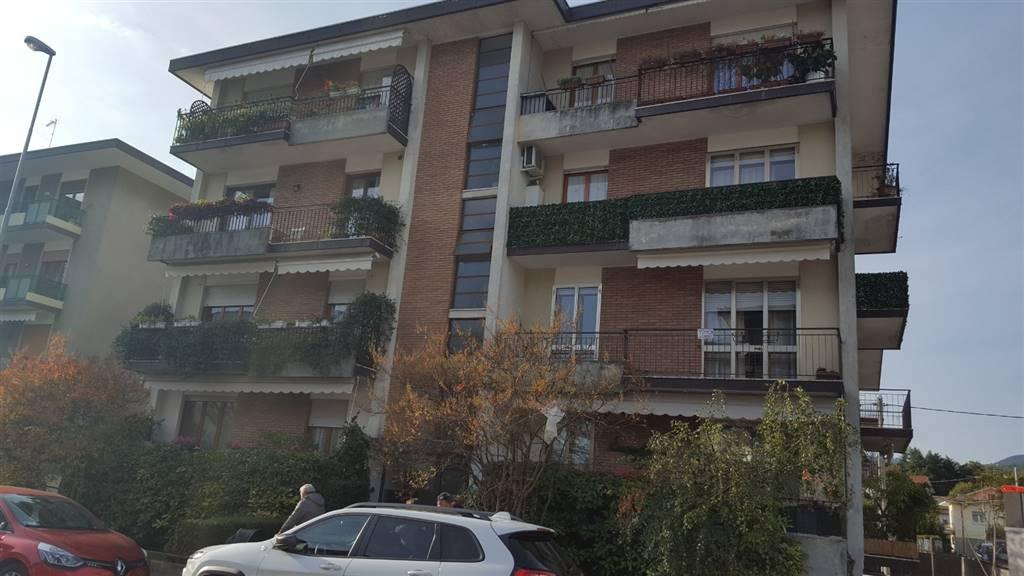 Appartamento in vendita a Schio, 6 locali, prezzo € 110.000 | CambioCasa.it