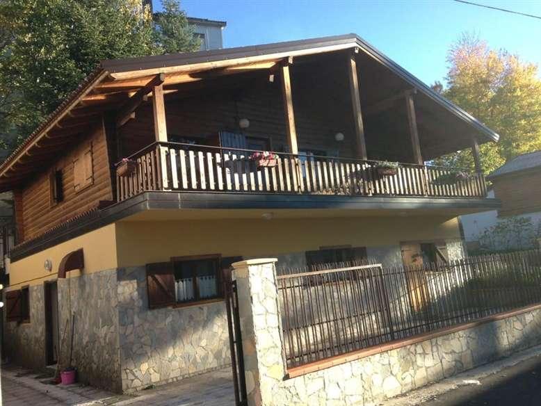 Soluzione Indipendente in affitto a Spezzano della Sila, 6 locali, Trattative riservate | CambioCasa.it