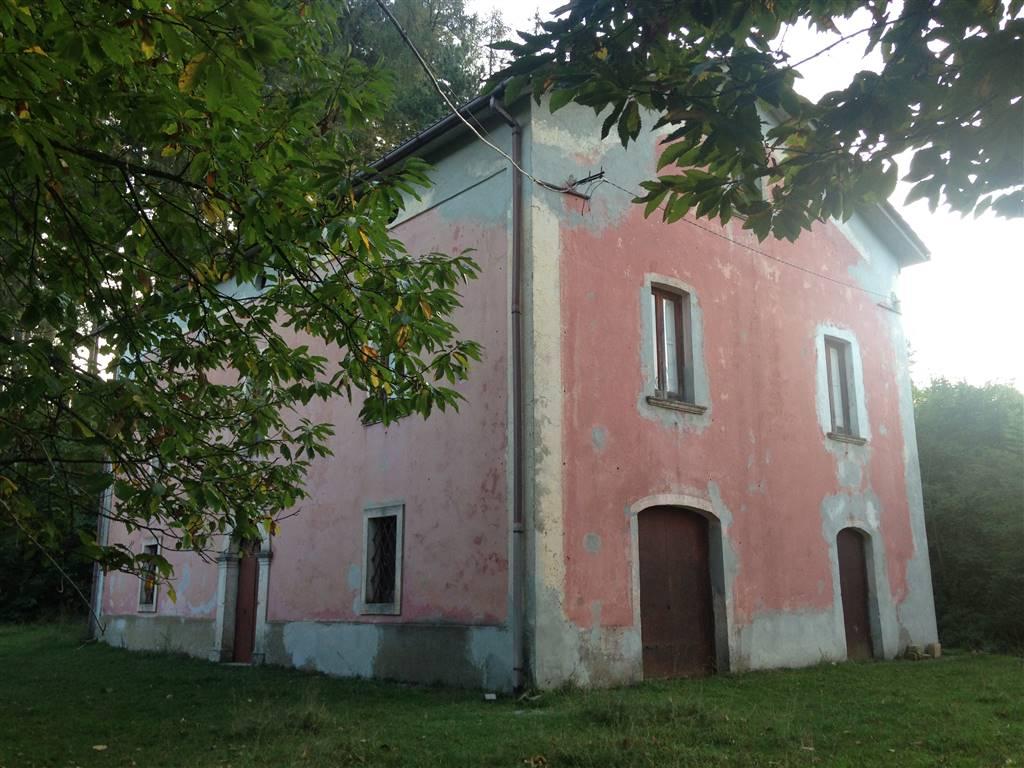Rustico / Casale in vendita a Domanico, 8 locali, zona Località: POTAME, prezzo € 90.000 | Cambio Casa.it