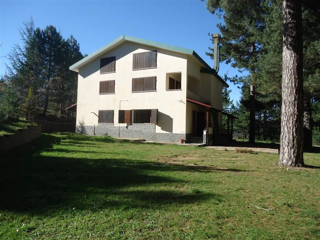 Casa singola in Contrada Guzzalini, Camigliatello Silano, Spezzano Della Sila