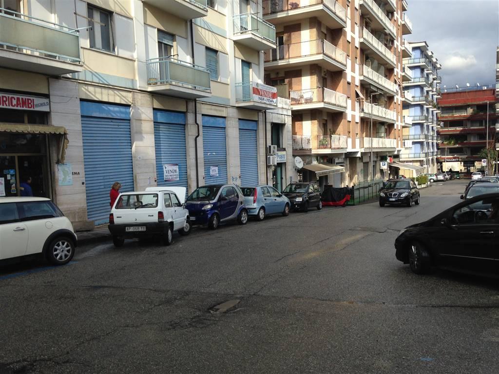 Negozio / Locale in vendita a Cosenza, 1 locali, zona Zona: Via Panebianco, prezzo € 190.000 | Cambio Casa.it
