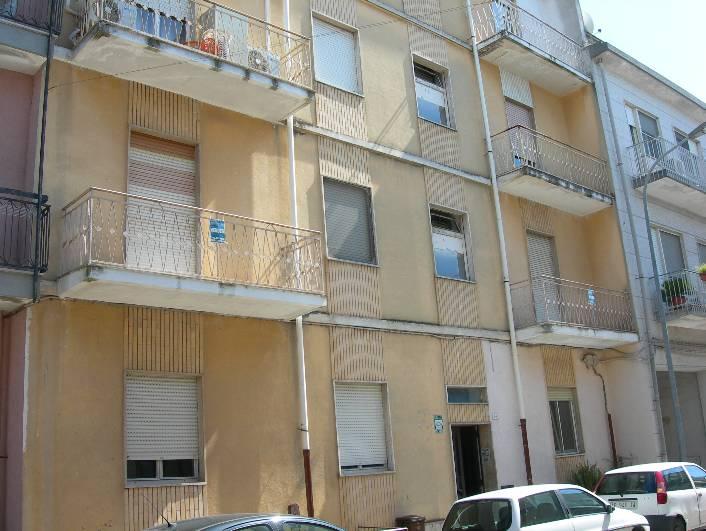 Appartamento in vendita a Latiano, 8 locali, prezzo € 80.000 | Cambio Casa.it