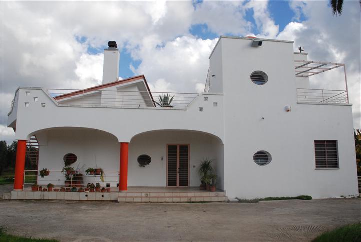 Villa in affitto a Latiano, 7 locali, Trattative riservate | Cambio Casa.it