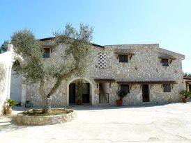 Villa in affitto a Oria, 10 locali, Trattative riservate | Cambio Casa.it