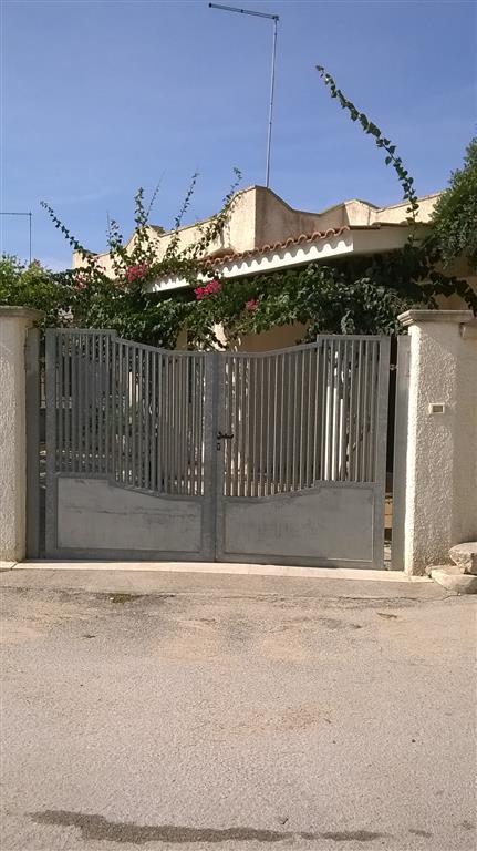 Soluzione Indipendente in vendita a Manduria, 6 locali, zona Località: BORRACO, prezzo € 140.000 | Cambio Casa.it