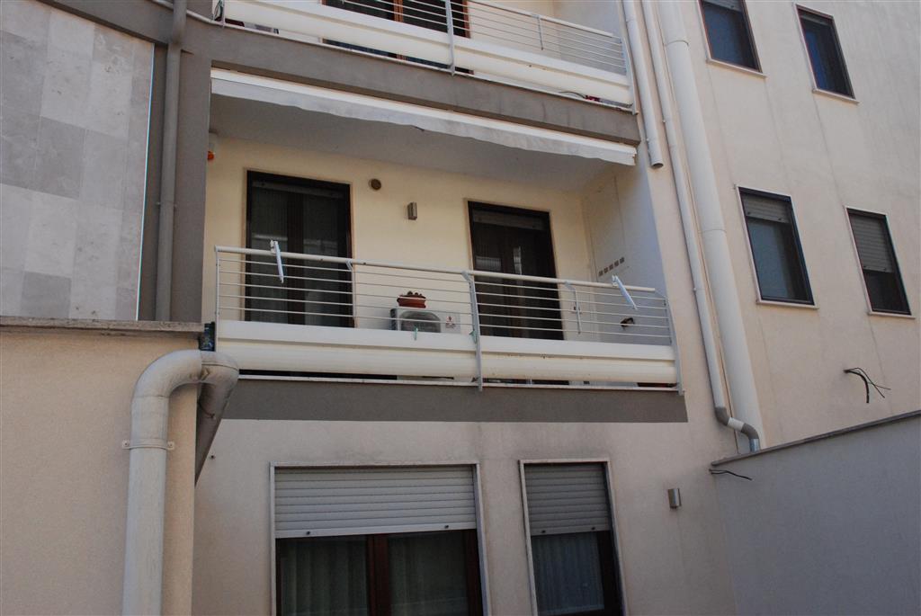 Appartamento in vendita a Latiano, 6 locali, Trattative riservate | Cambio Casa.it