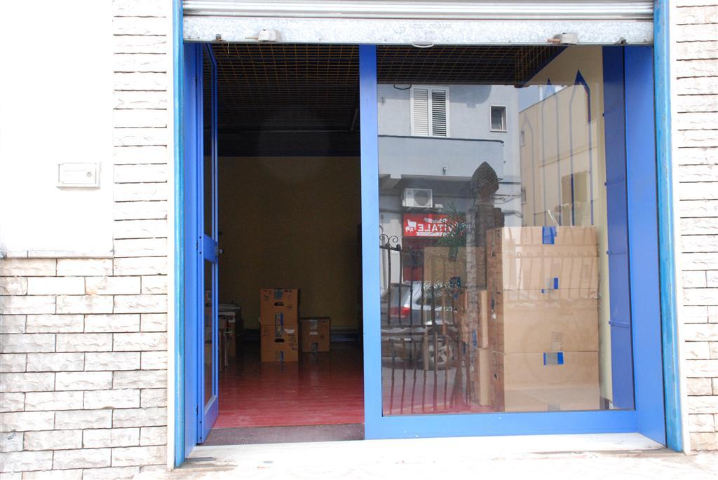 Immobile Commerciale in affitto a Latiano, 1 locali, prezzo € 300 | Cambio Casa.it