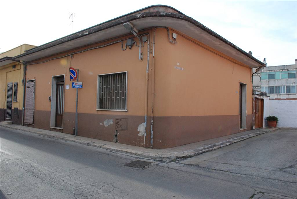 Soluzione Indipendente in vendita a San Michele Salentino, 6 locali, prezzo € 90.000 | Cambio Casa.it