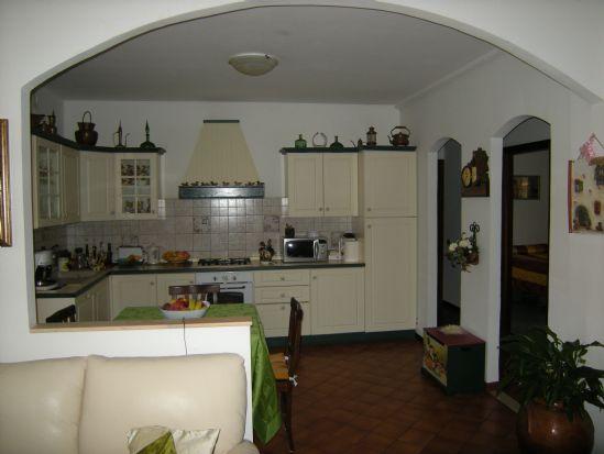 Appartamento in vendita a Collesalvetti, 4 locali, prezzo € 219.000 | CambioCasa.it