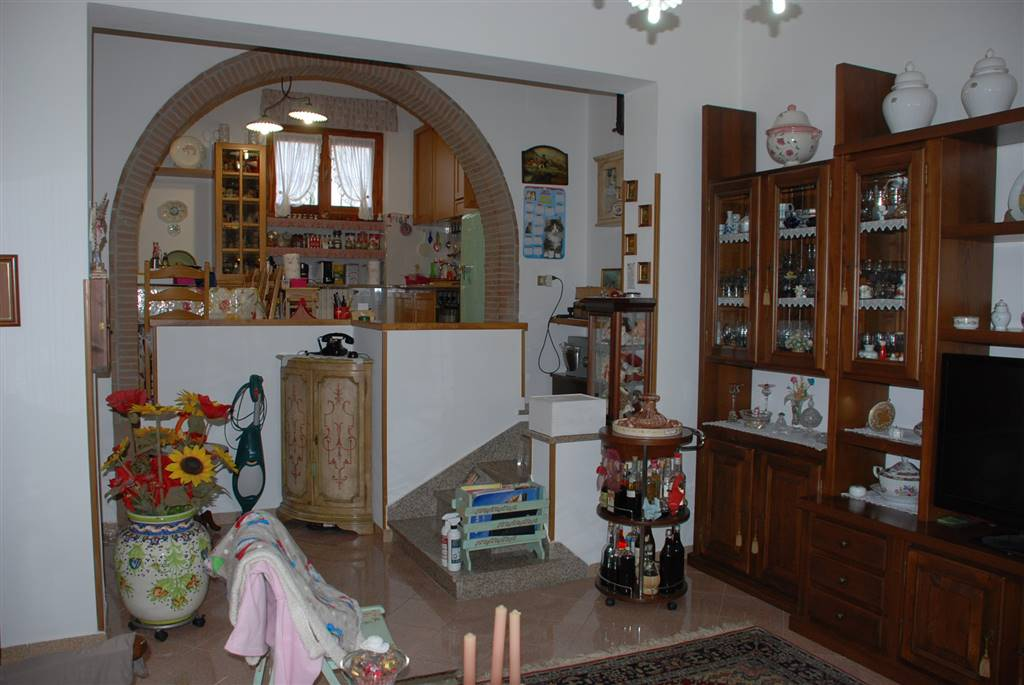 Soluzione Indipendente in vendita a Fauglia, 5 locali, prezzo € 189.000 | Cambio Casa.it