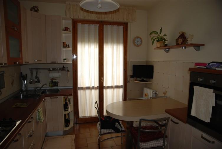Appartamento in vendita a Collesalvetti, 4 locali, zona Zona: Vicarello, prezzo € 155.000 | Cambio Casa.it