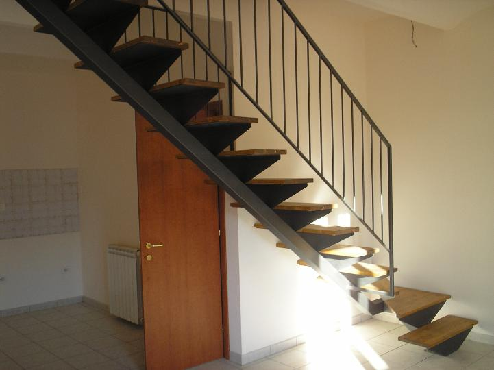 Soluzione Indipendente in vendita a Collesalvetti, 3 locali, zona Zona: Vicarello, prezzo € 119.000 | Cambio Casa.it