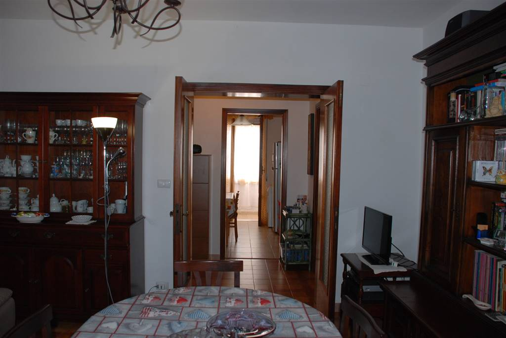 Appartamento in vendita a Collesalvetti, 4 locali, zona Zona: Vicarello, prezzo € 119.000 | CambioCasa.it