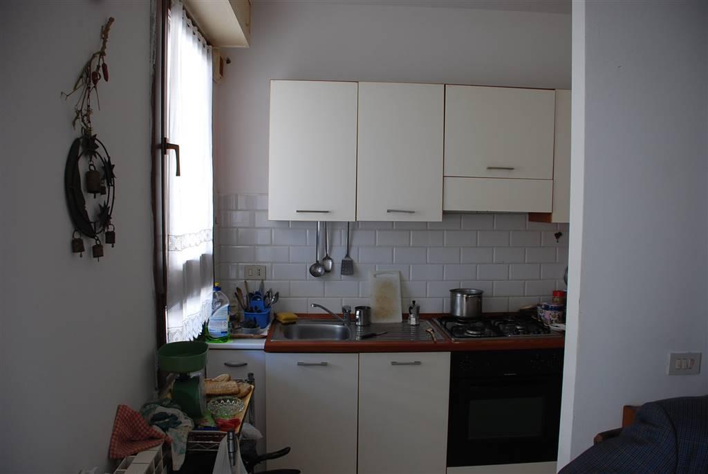 Appartamento in vendita a Collesalvetti, 3 locali, zona Zona: Vicarello, prezzo € 109.900 | Cambio Casa.it