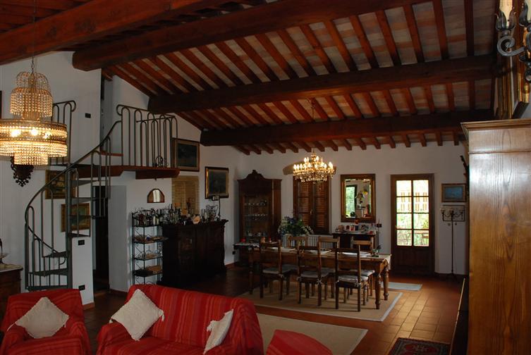 Rustico / Casale in vendita a Collesalvetti, 10 locali, zona Zona: Parrana San Giusto, prezzo € 980.000 | Cambio Casa.it