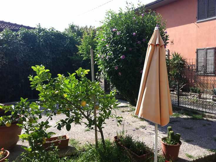 Soluzione Indipendente in vendita a Collesalvetti, 4 locali, zona Zona: Colognole, prezzo € 159.000 | CambioCasa.it