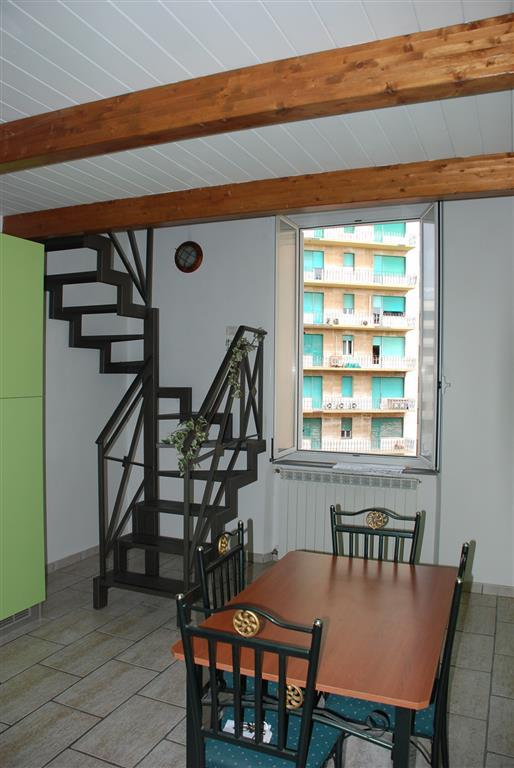 Appartamento in vendita a Livorno, 4 locali, zona Zona: Centro residenziale, prezzo € 93.000 | Cambio Casa.it