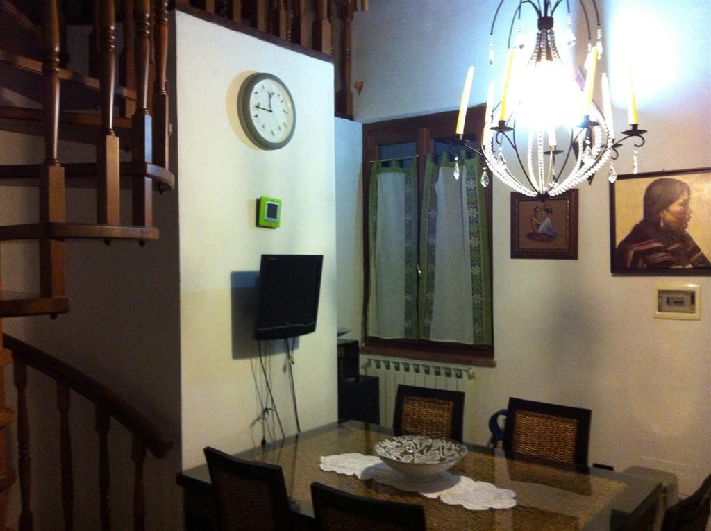 Appartamento in vendita a Collesalvetti, 4 locali, prezzo € 119.000 | Cambio Casa.it