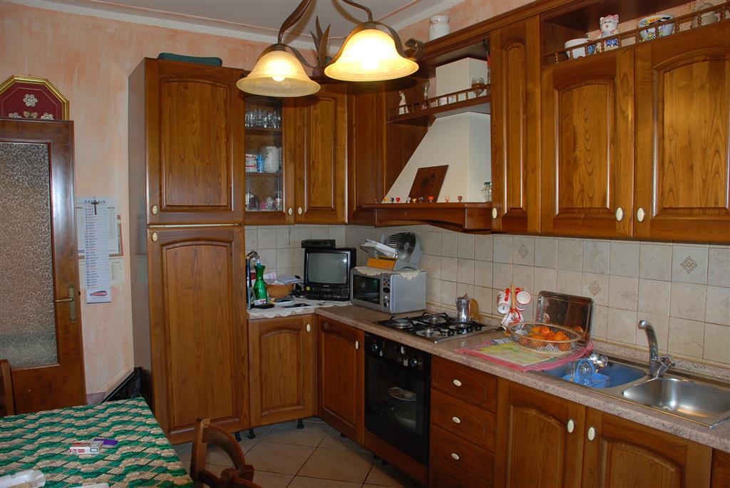Appartamento in vendita a Crespina Lorenzana, 5 locali, zona Località: Lorenzana, prezzo € 159.000 | CambioCasa.it