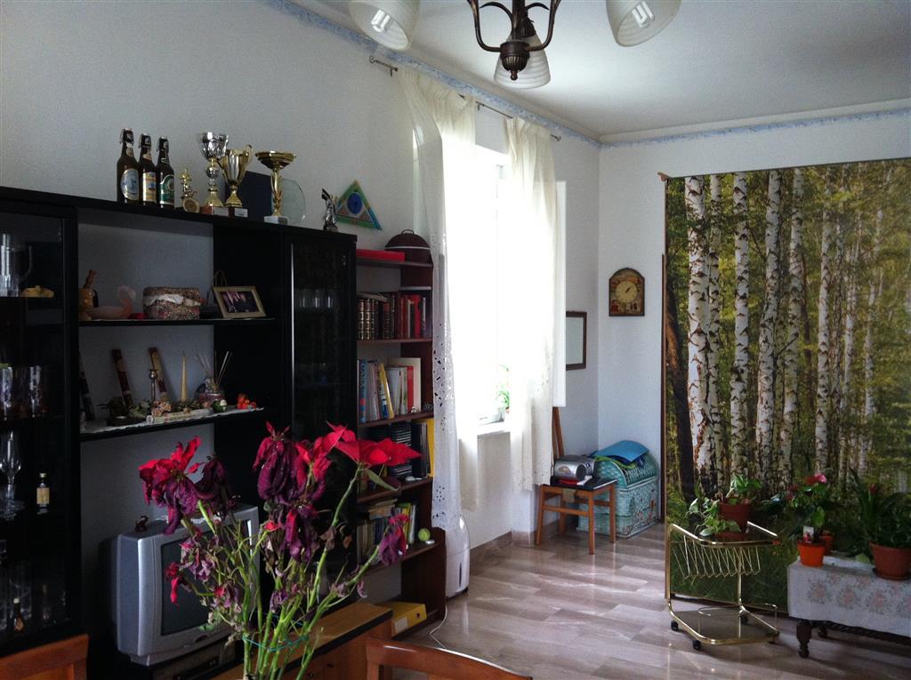 Soluzione Indipendente in vendita a Collesalvetti, 4 locali, zona Zona: Vicarello, prezzo € 175.000 | CambioCasa.it