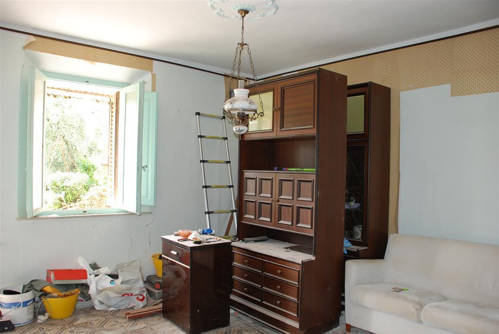 Soluzione Indipendente in vendita a Casciana Terme Lari, 3 locali, zona Località: BOSCHI DI LARI, prezzo € 39.900 | CambioCasa.it