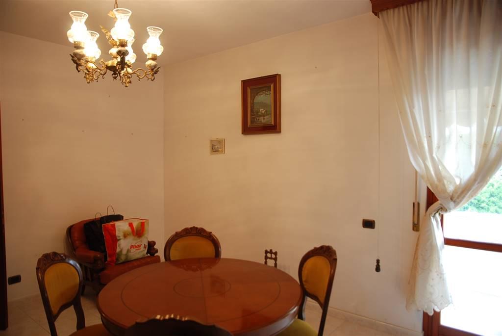 Appartamento in vendita a Collesalvetti, 7 locali, zona Zona: Guasticce, prezzo € 155.000 | CambioCasa.it
