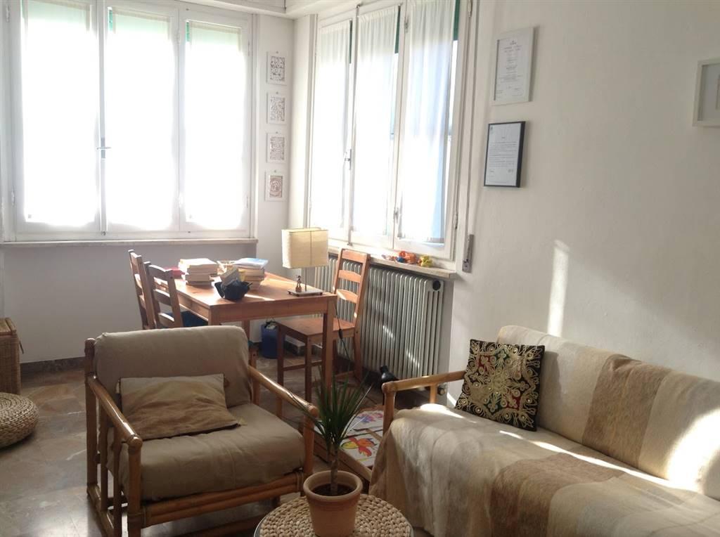 Soluzione Indipendente in vendita a Collesalvetti, 5 locali, zona Zona: Stagno, prezzo € 349.000 | Cambio Casa.it