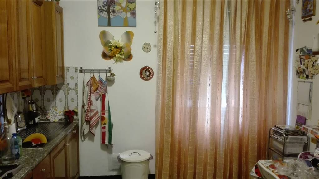 Appartamento in affitto a Collesalvetti, 5 locali, prezzo € 520 | Cambio Casa.it