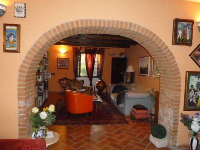 Villa in vendita a Crespina Lorenzana, 8 locali, zona Località: Lorenzana, prezzo € 340.000   CambioCasa.it