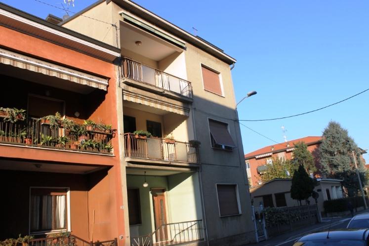 Appartamento in vendita a Muggiò, 3 locali, prezzo € 180.000   Cambiocasa.it