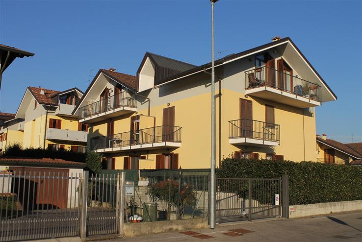 Appartamento in vendita a Cogliate, 3 locali, prezzo € 149.000 | Cambiocasa.it