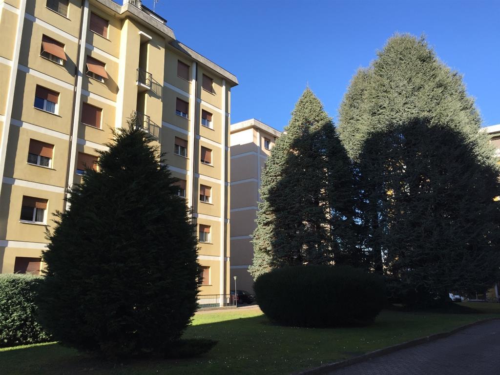 Appartamento in Vendita a Carate Brianza: 4 locali, 115 mq