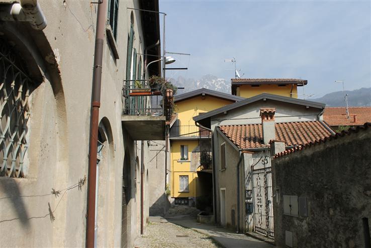 Appartamento in Vendita a Abbadia Lariana: 2 locali, 60 mq