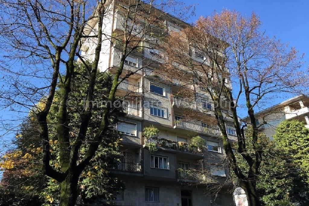 Appartamento in Vendita a Carate Brianza: 3 locali, 109 mq