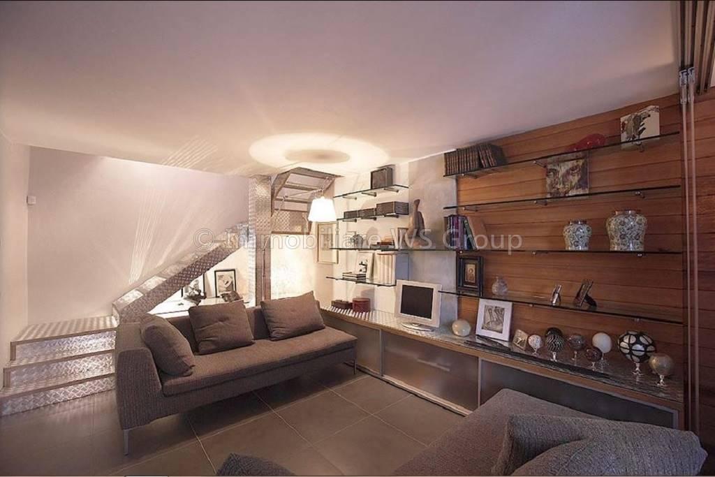Appartamento in Vendita a Carate Brianza: 2 locali, 79 mq