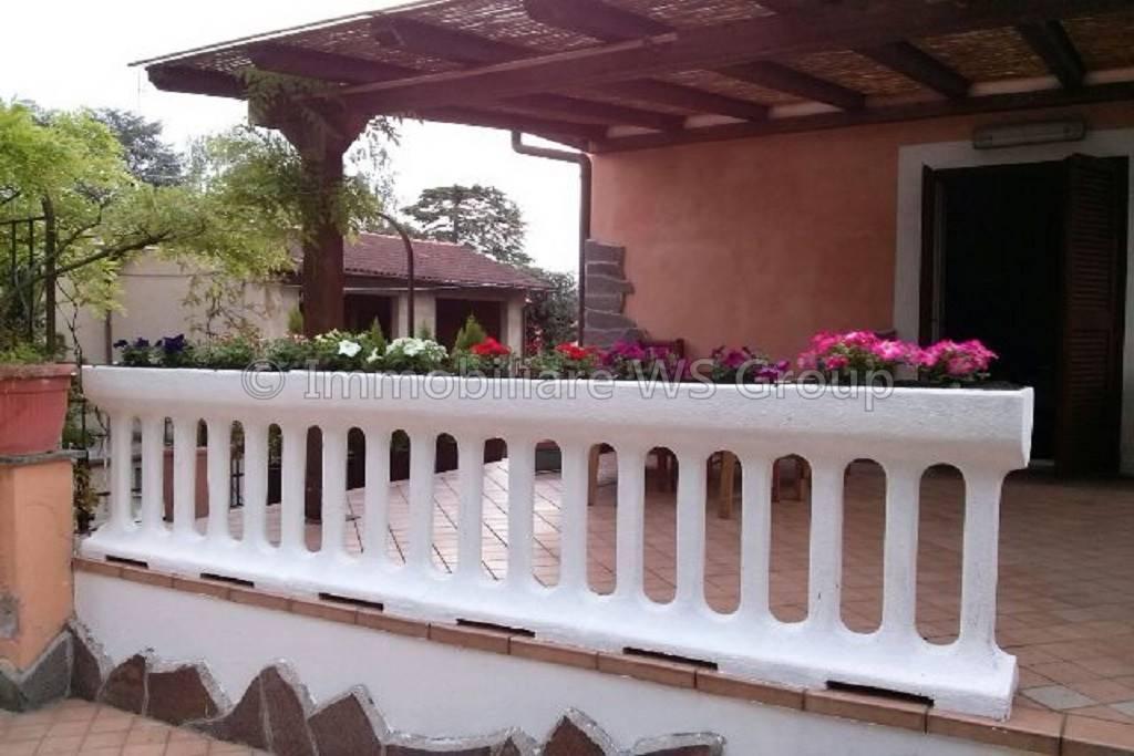 Appartamento in Vendita a Carate Brianza: 3 locali, 120 mq