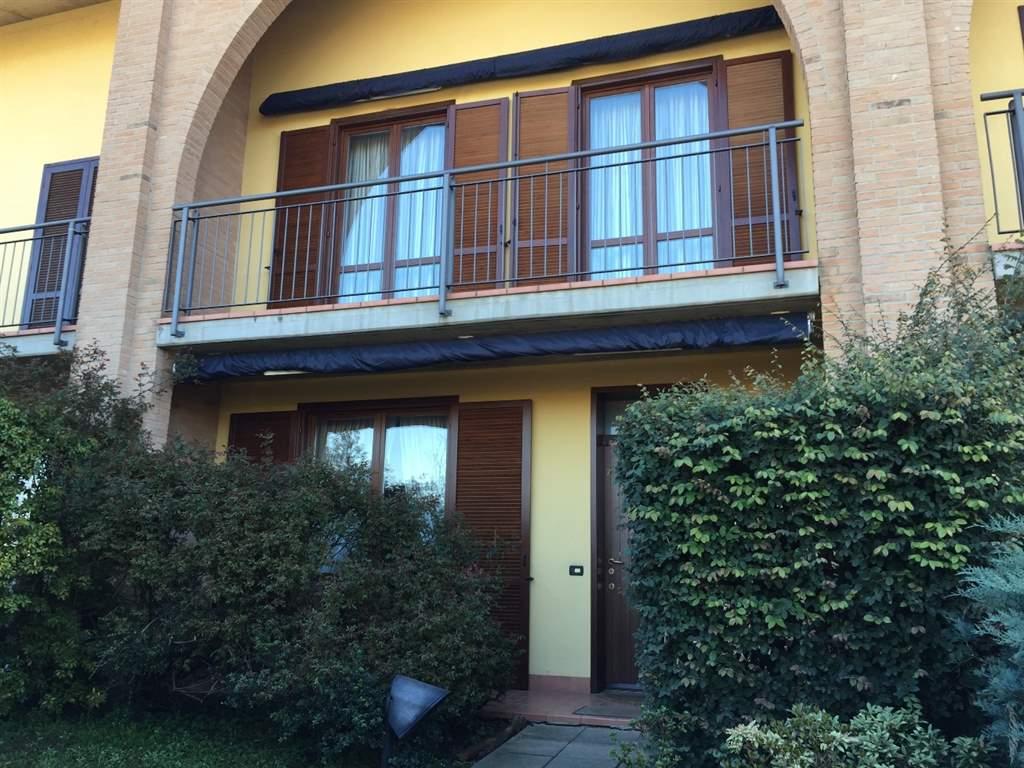 Villetta in Vendita a Mariano Comense: 5 locali, 200 mq