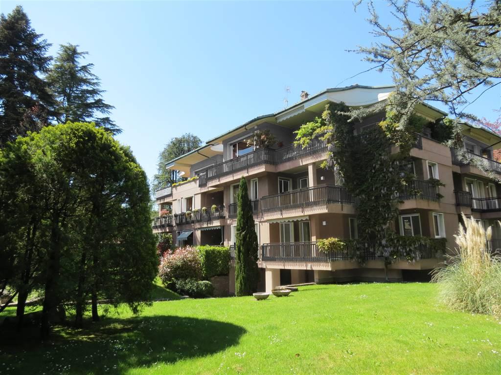 Appartamento in Vendita a Carate Brianza: 3 locali, 146 mq