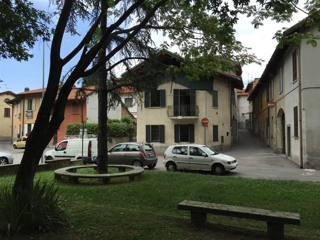 Casa semi indipendente cornaredo cerca case semi for Trova casa brianza