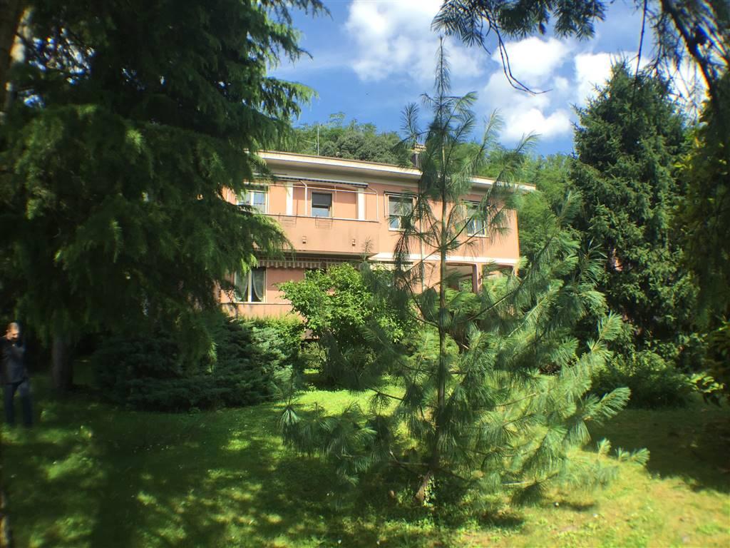 Appartamento in Vendita a Verano Brianza: 4 locali, 100 mq
