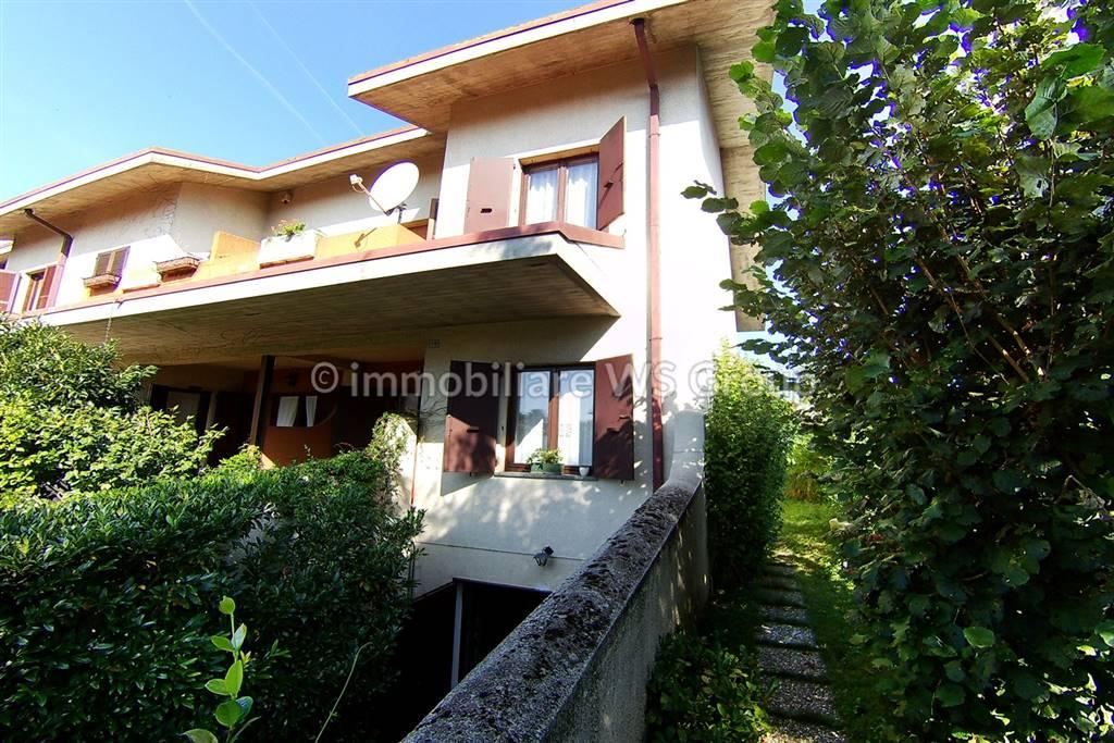 Villa in Vendita a Carate Brianza: 4 locali, 192 mq