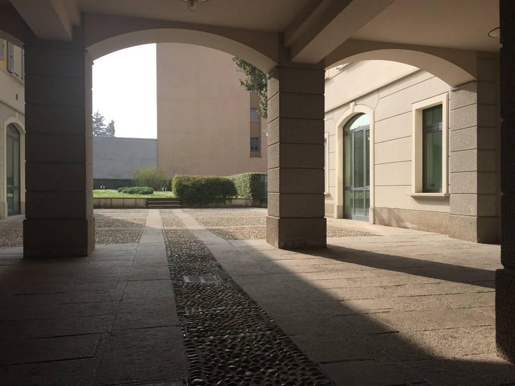 Ufficio-studio in Affitto a Seregno: 3 locali, 125 mq