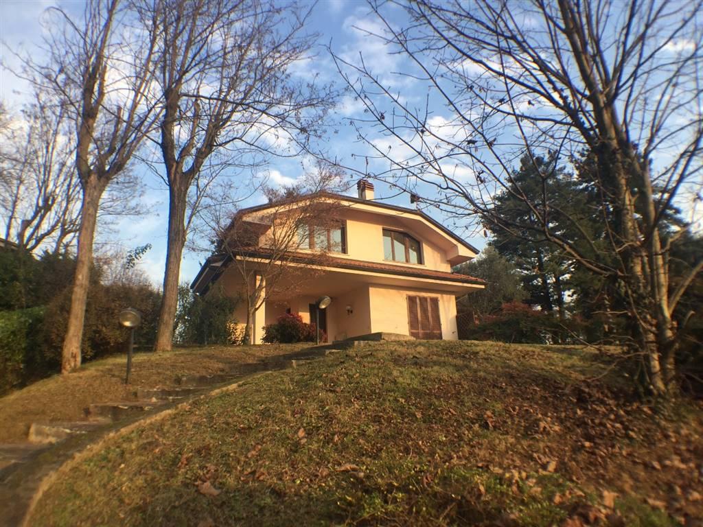 Villa in Vendita a Casatenovo: 5 locali, 275 mq